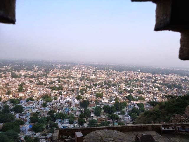 किले से ग्वालियर शहर का दृश्य