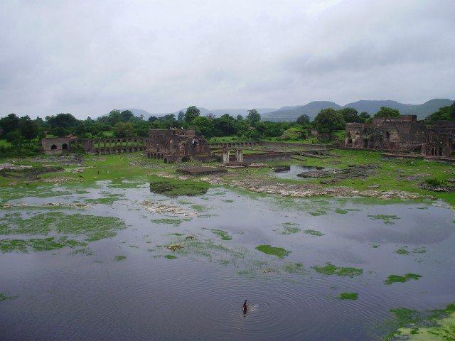 mandu ruins