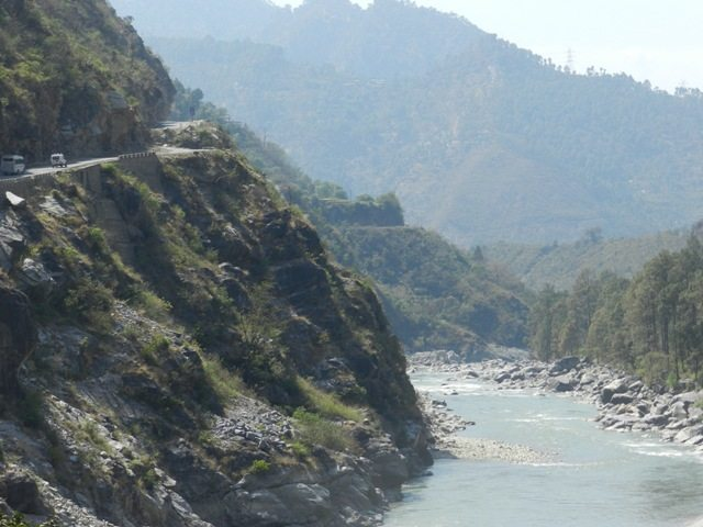 Road along R.Alaknanda