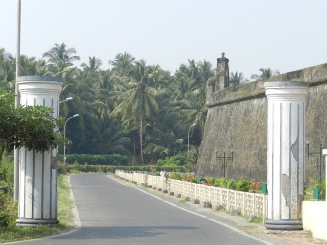 A road along Daman Fort