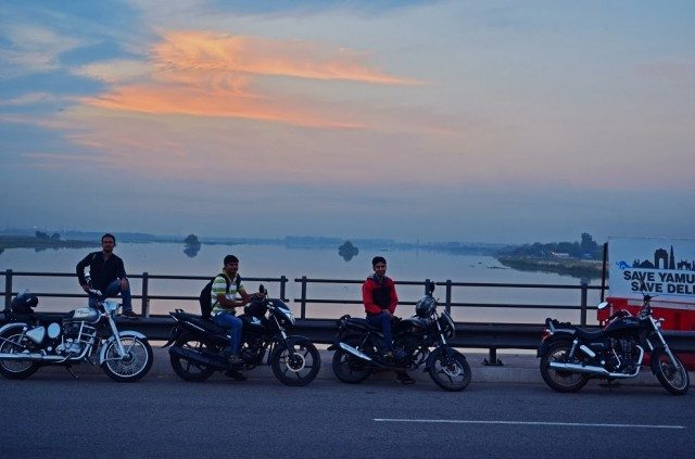 Morning at DND flyway, yamuna bank
