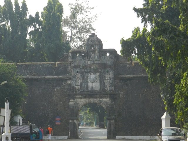 Daman Fort in ruins