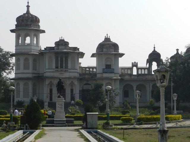 Saraswati Bhawan at Gulab Bagh