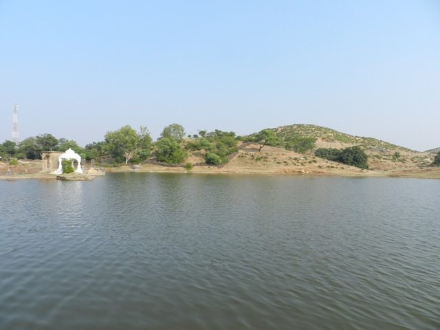 Serene Rajsamand Lake