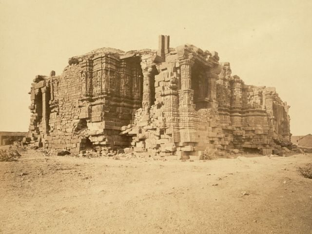 Somnath Temple in ruins in 1869 (Courtsey D.H. Sykes, ASI)