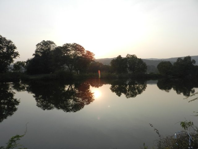 Sun set at a Lake near Eklingji