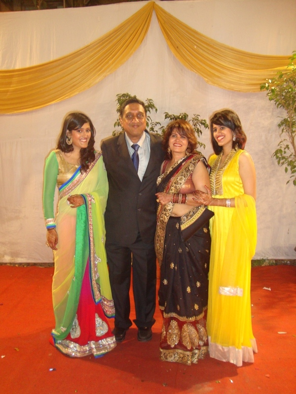 Dr Taher with the 3 most beautiful women in his life - his wife, Nishrin, and Daughters, Inas and Hannah