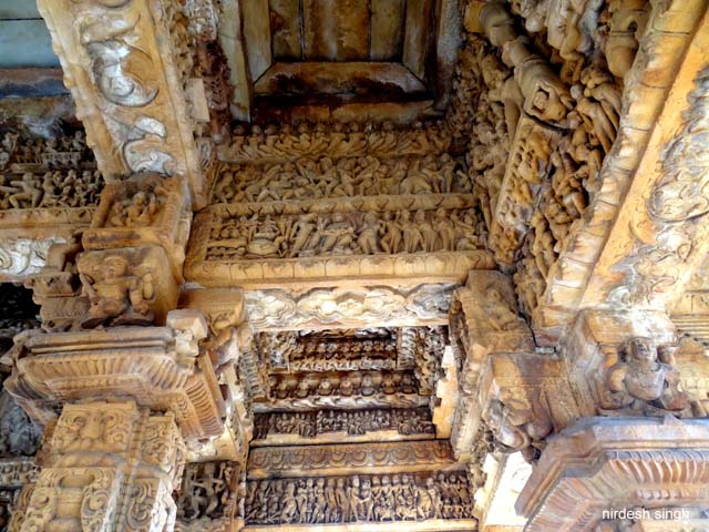 Padhawali - Every Lintel overflowing with Carvings