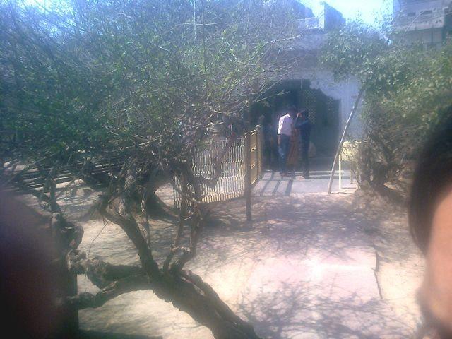 वृंदावन के निधिवन में स्वामी हरिदास जी समाधी स्थल.