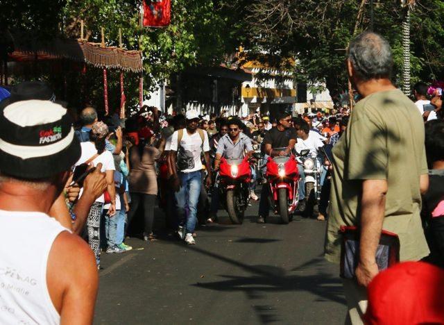 The roaring Harleys