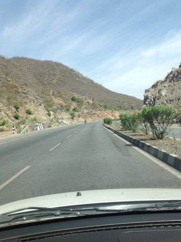 No one in sight on the way to Mount Abu