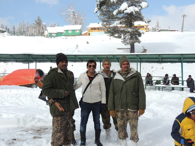 Gourav with the Military people, in Gulmarg
