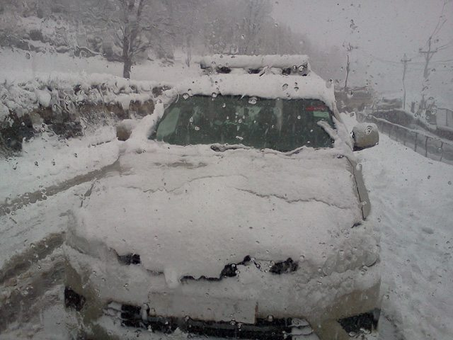 Our car in Sonmarg after 1 hour