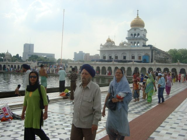 Memory of those days, after buying our car, visited Bangla Sahib with parents.