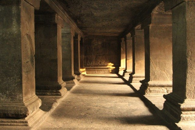 Pataleshwar- Inner hall