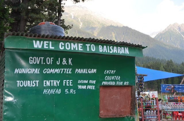 Baisaran Entry Ticket counter and nearby Stalls