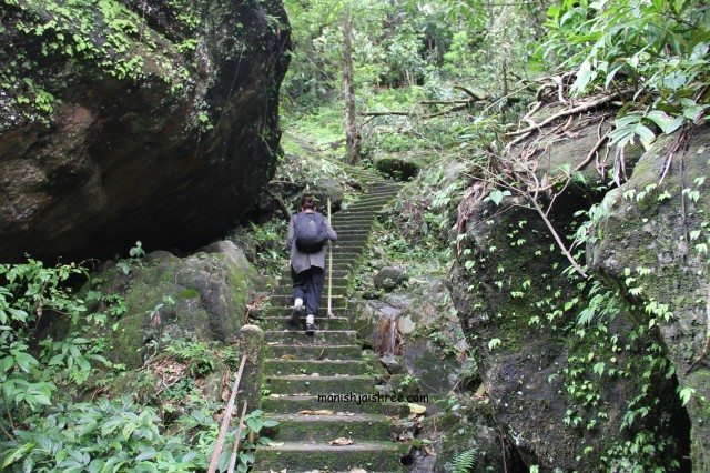 2500 stairs down and then up again- Strenuous trek to Notriang Root Bridge, Meghalaya