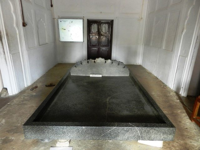Parsi Death Bed
