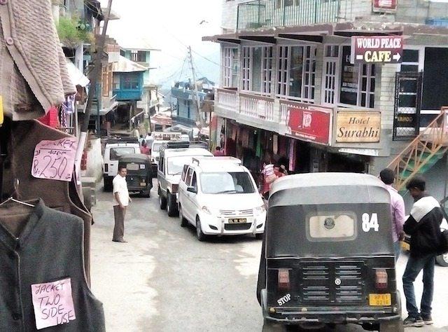The jam on narrow route to Vashisht Temple