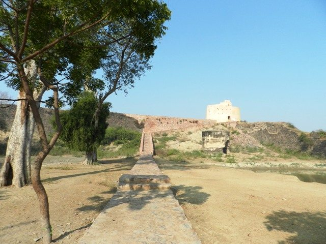 Way to the Bastion