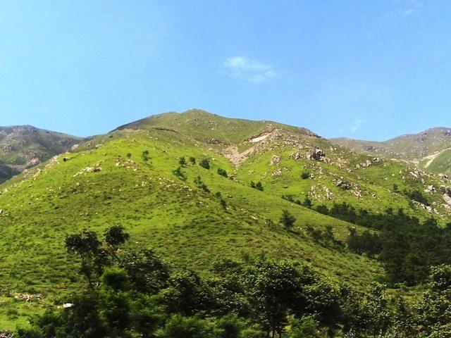 जवाहर सुरंग के आस पास के पहाड़ों का नजारा
