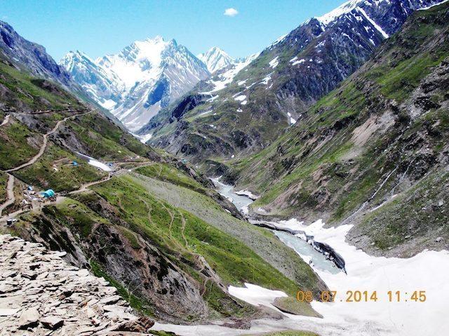 पर्वत, घाटी, नदी व रास्ते सब एक साथ