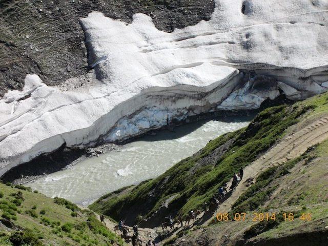 संगम घाटी के पास बहती सिन्ध नदी