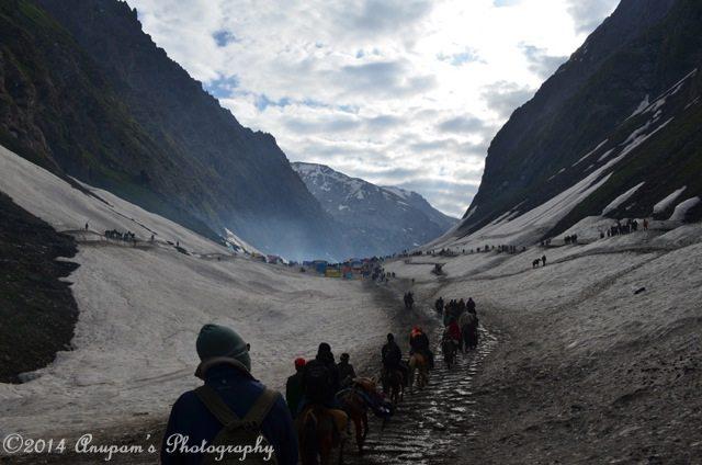 Plain road through glacier
