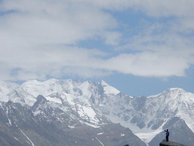 Snow covred hills in Rohtang Pass