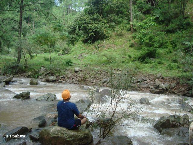 आप घंटो नदी के मुहाने पर बैठ प्रकृति के इन रूपों का आनंद ले सकते हैं