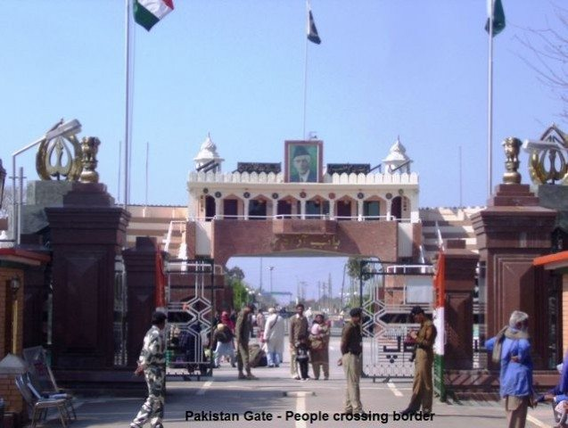 Pakistan gate, people crossing border as well as visit border like us