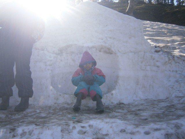 बर्फ का घरौंदा