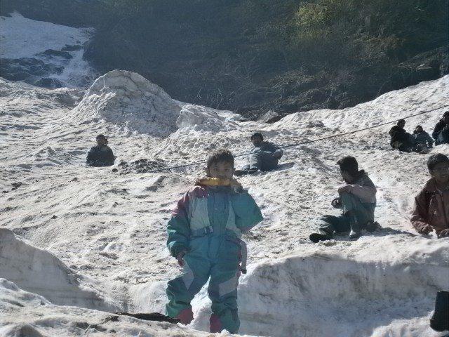 रोहतांग की कठीन राह…..बर्फीले पहाड़ और प्राकृतिक सौन्दर्य से भरपूर सोलांग घाटी (भाग- 2)