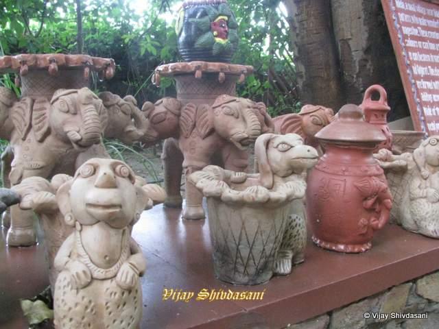 Molela clay art.