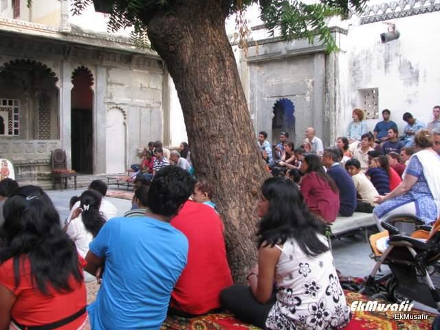 The audience enjoying 'Dharohar' at 'Bagore ki Haveli'.