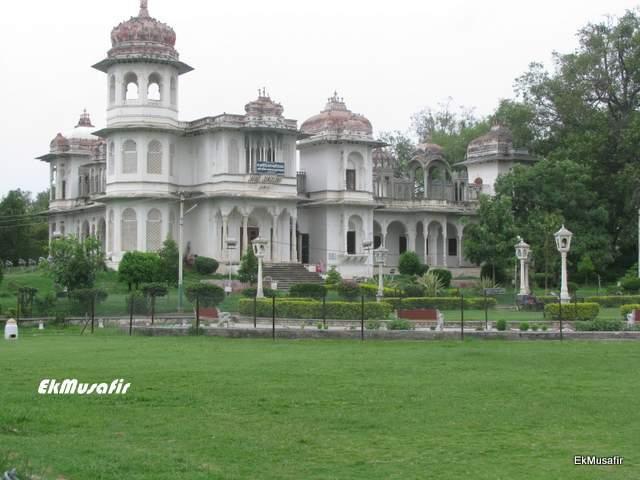 Victoria Hall at Gulab Bagh.