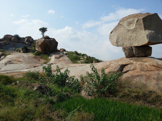 Precariously balanced rocks