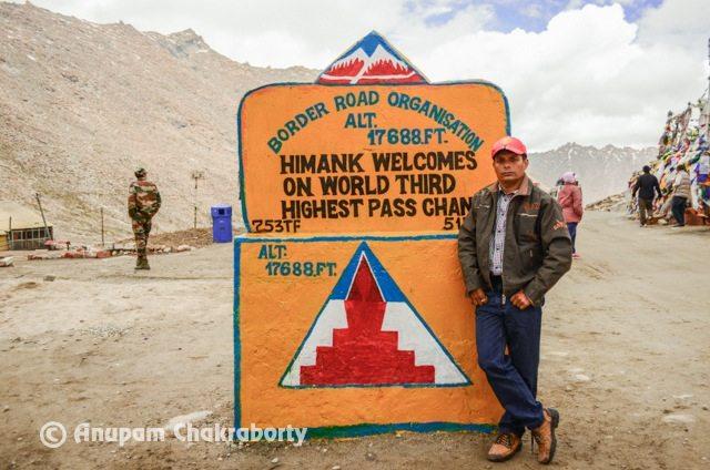 I am on World's Third Highest Pass ChangLa