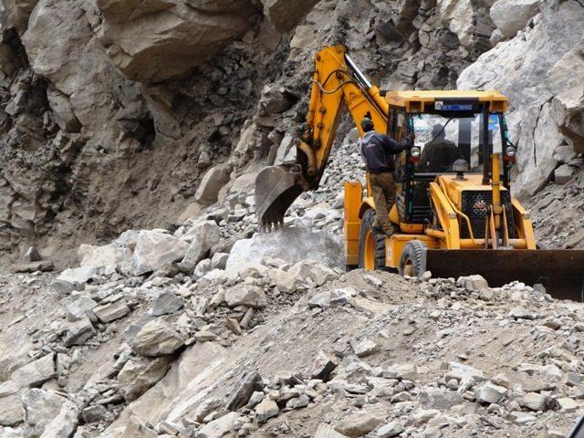 Landslide clearance work on near Malling Nallah