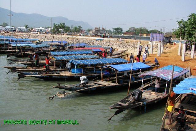 Local boats, Barku