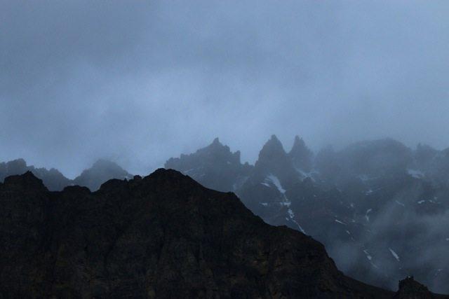 Mountains around Losar