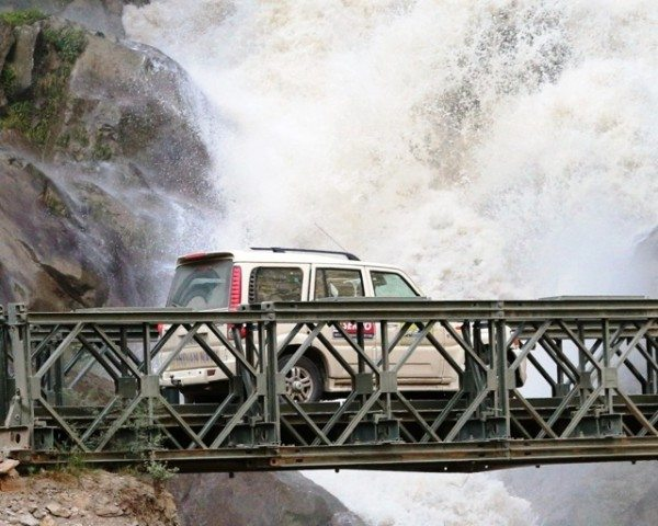 The enormity of the gushing Pangi Nallah