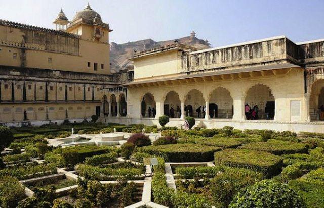 Mughal garden at Amer palace