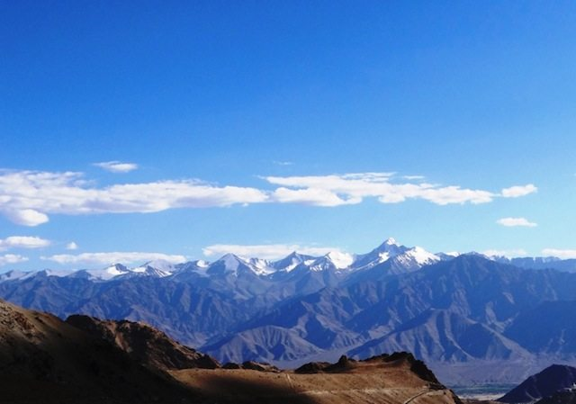 The Zanskar range as seen from the Khardungla ascent...