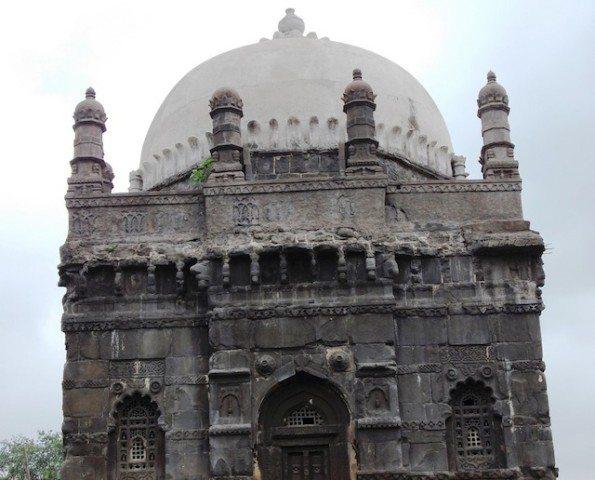 Shahaji Raje Samadhi