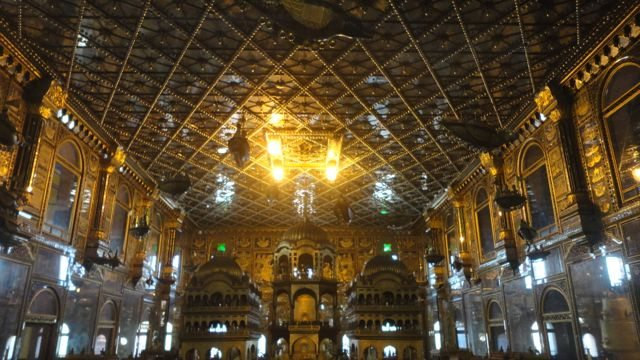 Beautifully crafted ceiling of Ayodhya Nagri