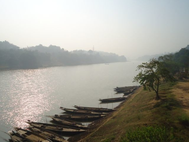 Small fishing boats on the banks of the Kopili River at Digaru