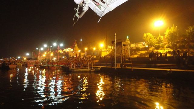 An evening at the middle of the River Narmada