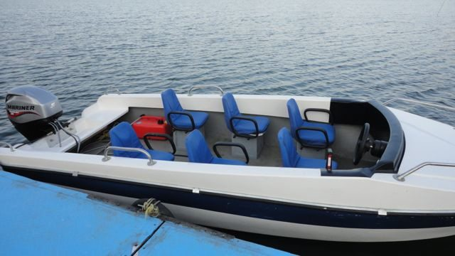 The six-seater speed boat at Bargi Dam