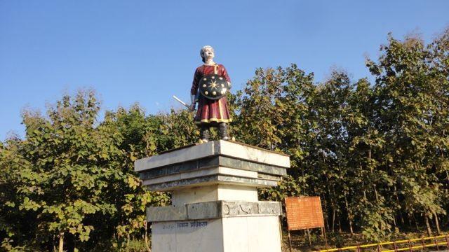Statue of Veer Narayan